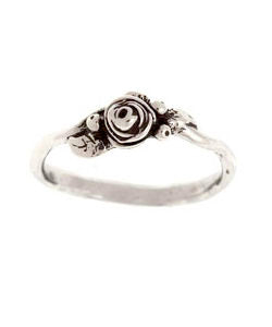 Fresh Bud Hobart Rose Ring (Silver)