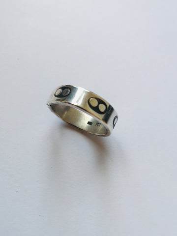 Double Circle Punch Ring (Silver)