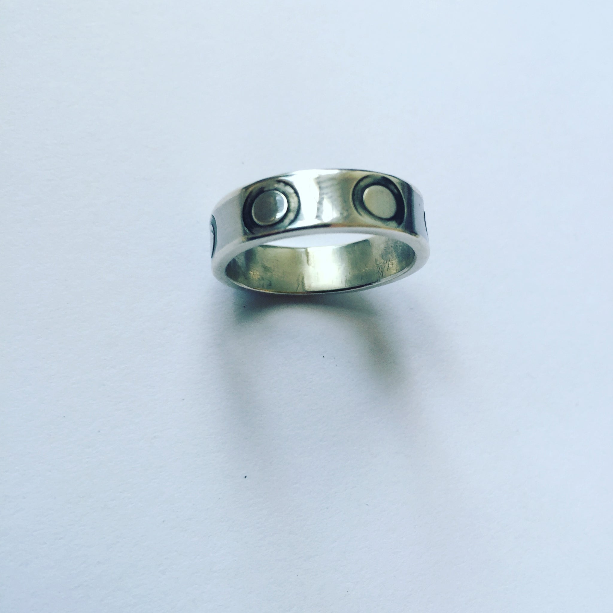 Single Circle Punch Ring (Silver)