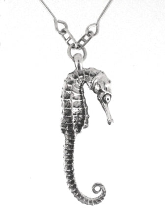 Long-tailed Seahorse Pendant (Silver)