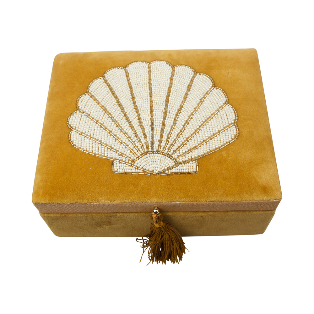 Velvet box with shell in beads mustard