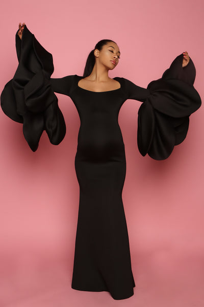Black maternity gown with bellow sleeves, pregnancy photography