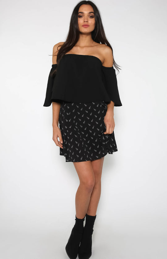 Off Shoulder Falbala Half Sleeve Blouses