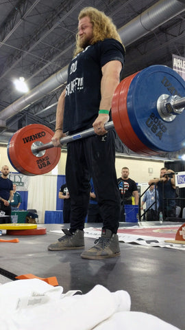 Axle deadlift at competition