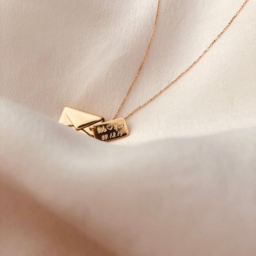 18ct Gold - Signature Envelope Necklace