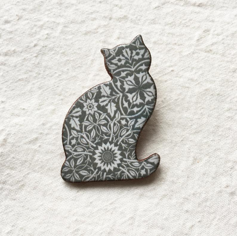 Stockwell Ceramics William Morris Cat Brooch