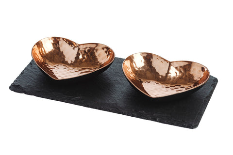 <p>Ddelightful heart copper serving set, perfect as a dinner party accessory.</p>