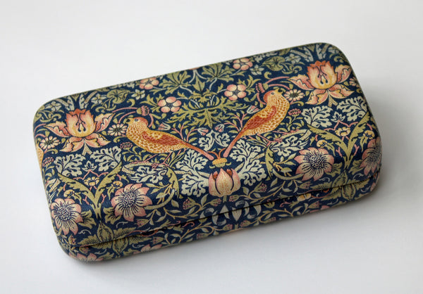 William Morris Strawberry Thief Manicure Set