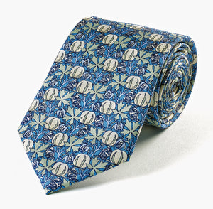 <p>Beautiful and stylish silk tie in a design inspired by CFA Voysey.</p>
