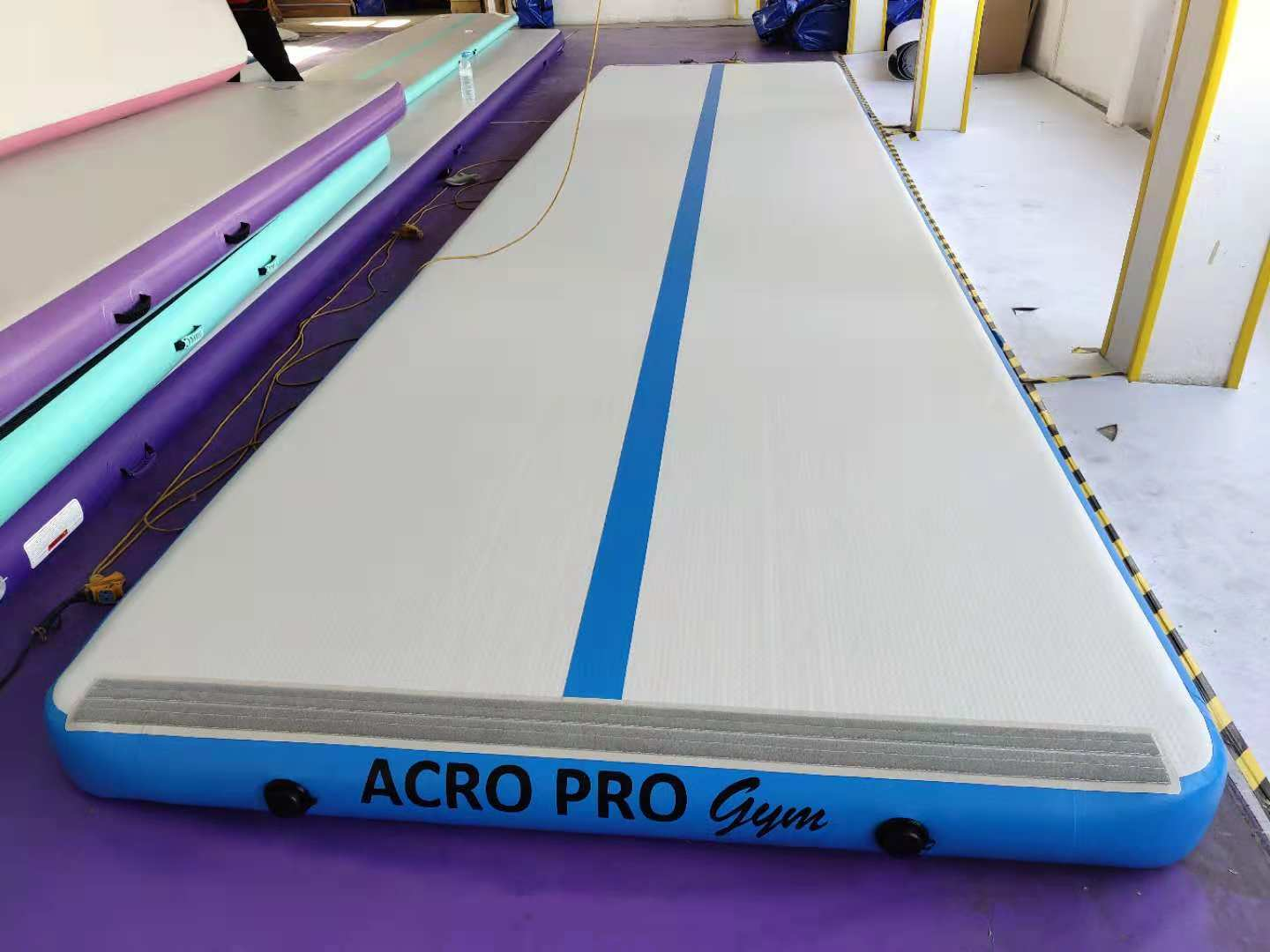 ACRO PRO Gym 8m-2m-20cm Air Track. XMAS STOCK