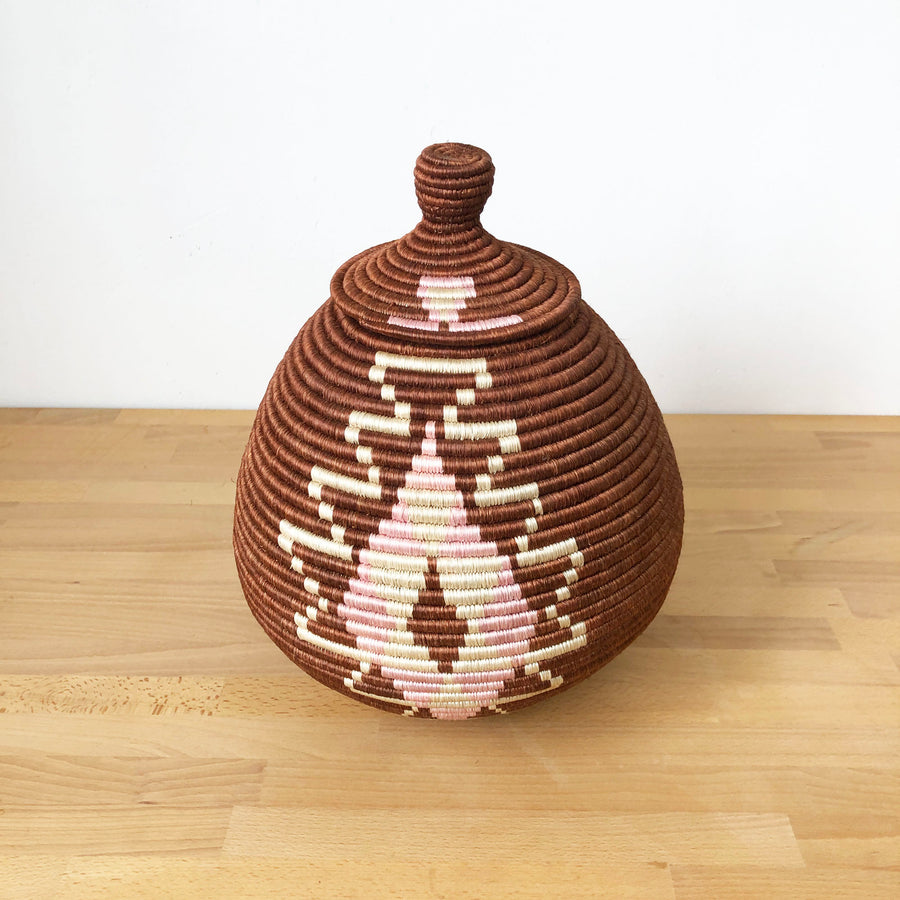 Lidded Specialty Basket #510