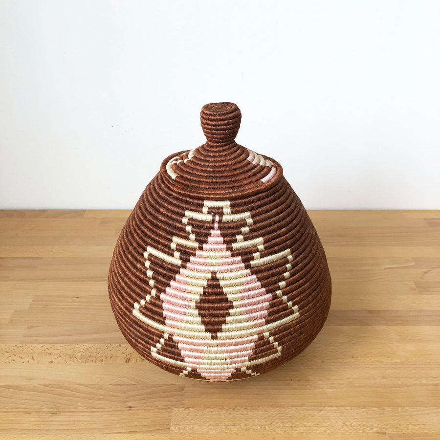 Lidded Specialty Basket #511