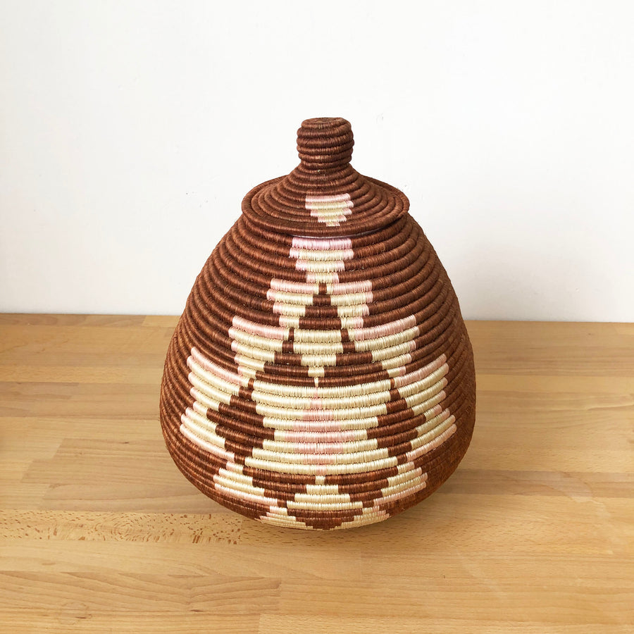 Lidded Specialty Basket #512