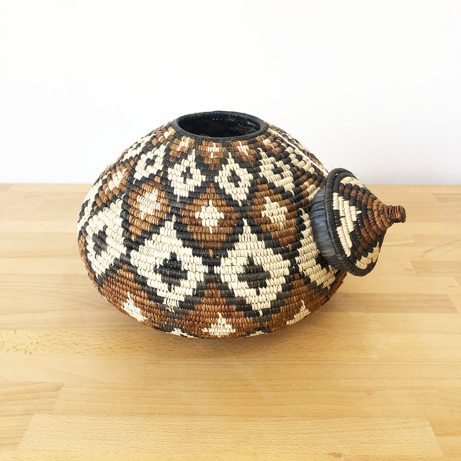 Lidded Zulu Basket #399