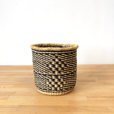 Waste Basket: Elmina