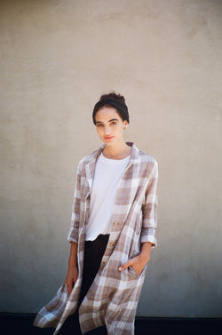 MIDI BLAZER IN TAWNY PLAID
