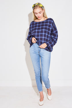 REVERSE OVERSIZED PULLOVER IN NAVY PLAID