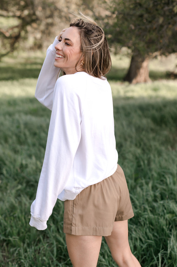 SMOCK BAND SHORTS IN CAMEL