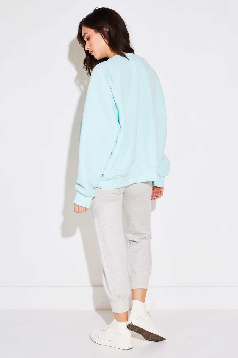 BRENTWOOD SWEATSHIRT IN AQUA QUILTED