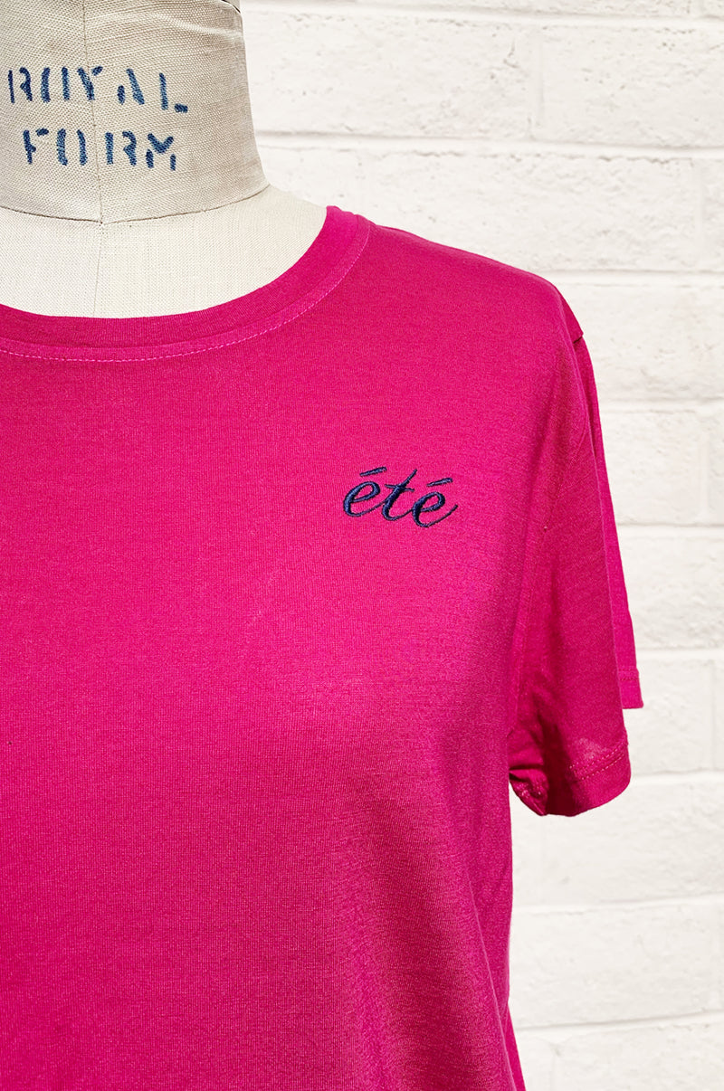 BOY TEE IN ETE EMBROIDERY/RASPBERRY