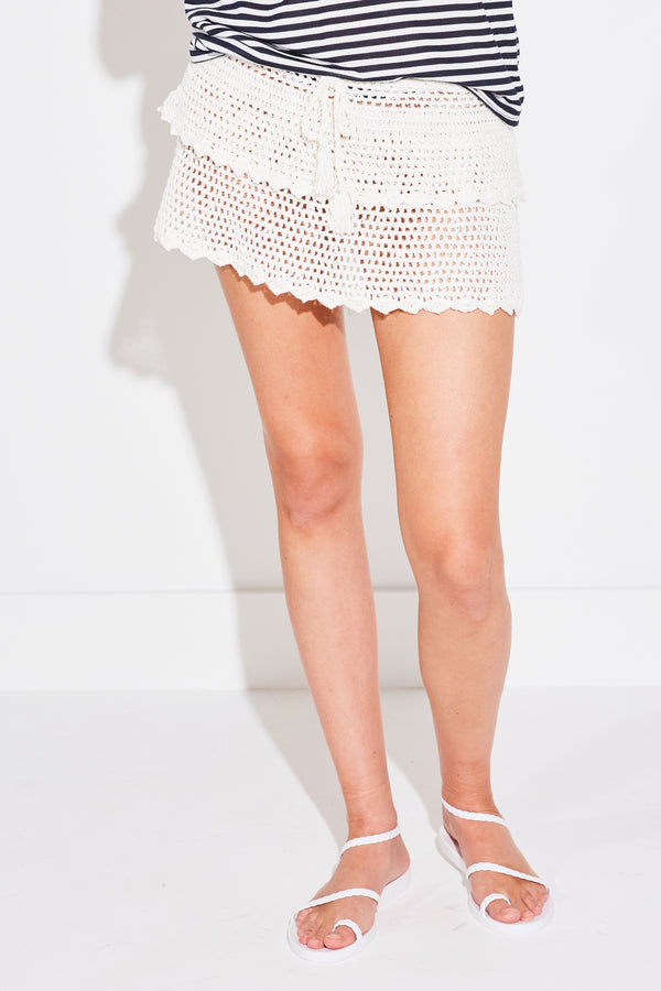 CROCHET TIERED SKIRT IN WHITE
