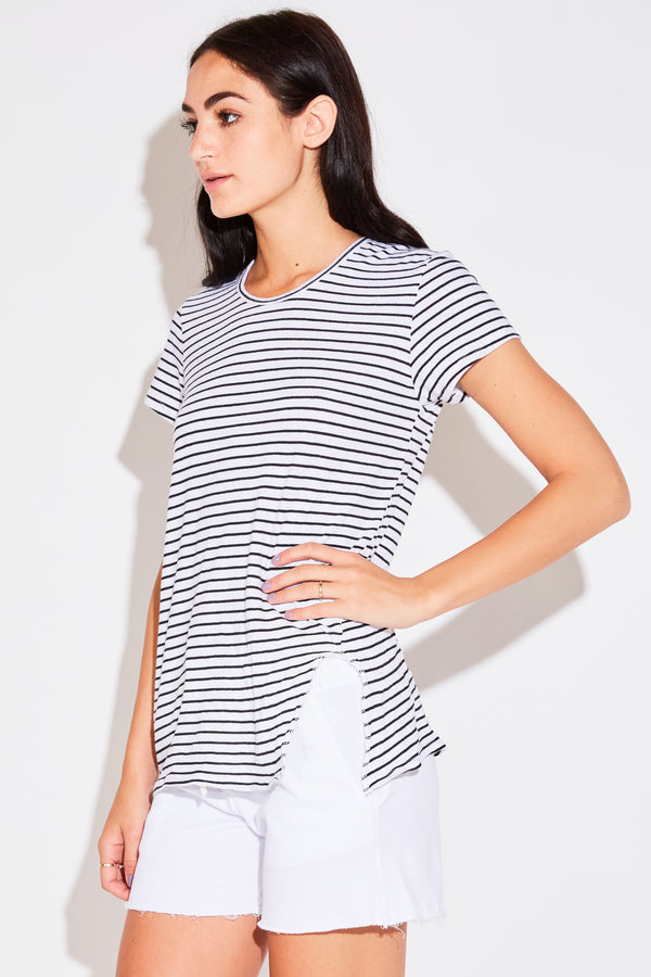 CREW W/ SLIT IN WHITE STRIPE