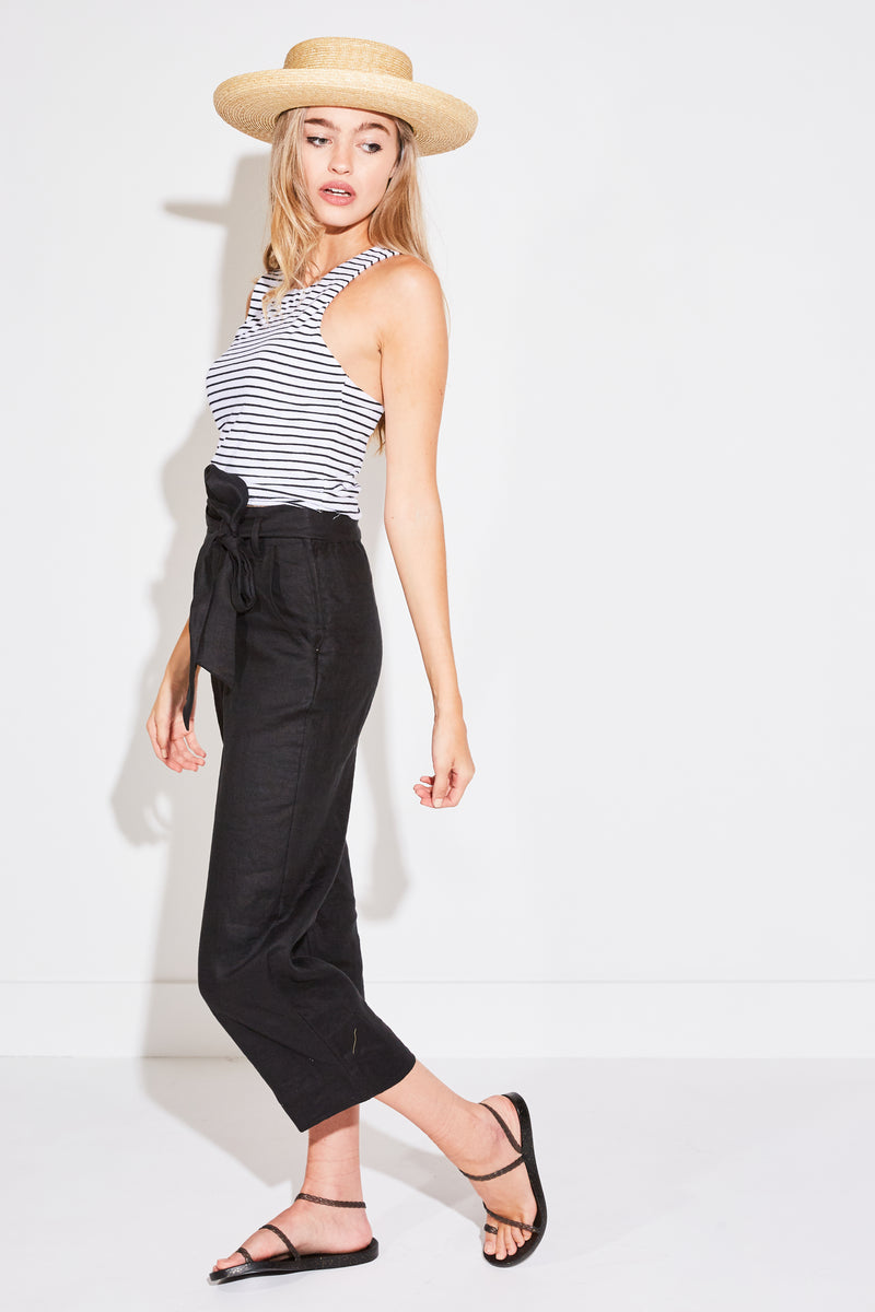 CROPPED DOUBLE LAYER TANK IN WHITE STRIPE