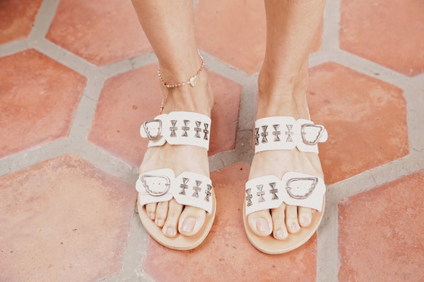 MESSINIA ELEMENTS SANDAL IN OFF WHITE