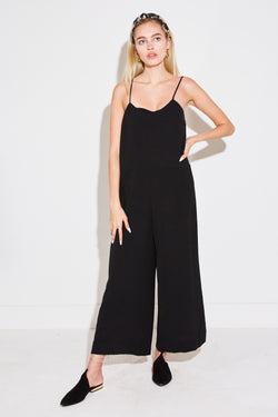RELAXED JUMPSUIT IN BLACK AIRFLOW