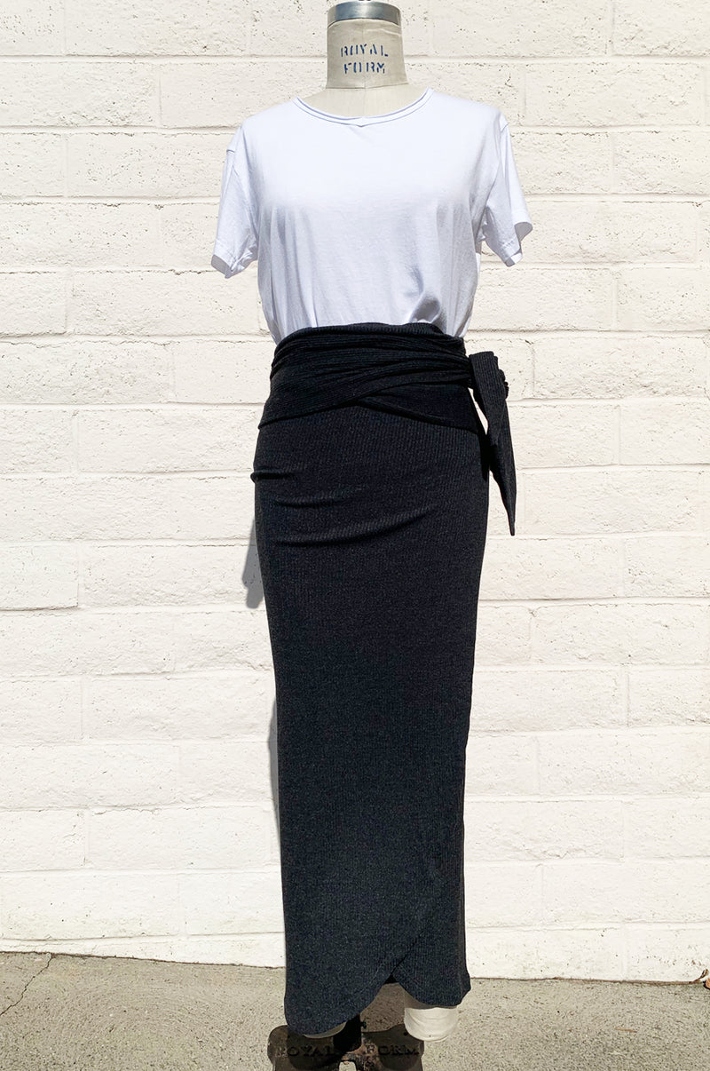 PAPERBAG SKIRT IN CHARCOAL RIB KNIT