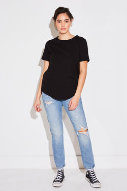 RELAXED ROUND BOTTOM TEE IN BLACK