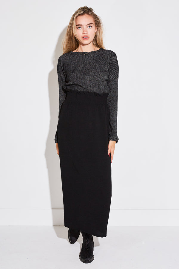 SMOCKED SKIRT IN BLACK AIR FLOW