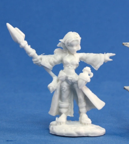 Reaper Miniatures - Female Gnome Wizard - unpainted