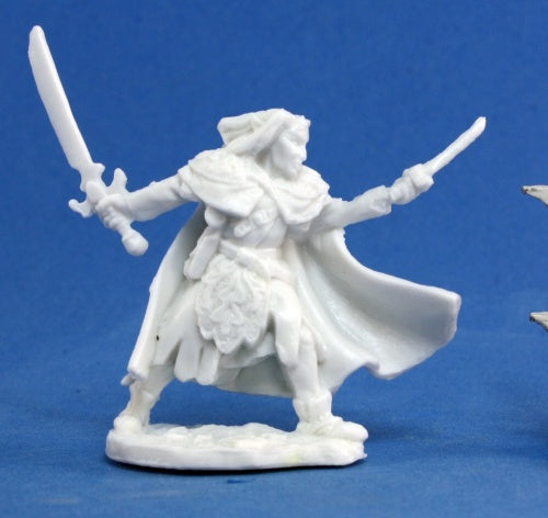 Reaper Miniatures - Male Elf Ranger two weapon - unpainted