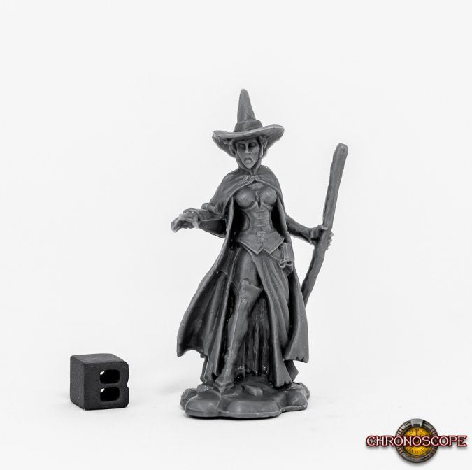 Reaper Miniatures - Female Human Warlock Witch