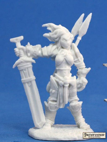 Reaper Miniatures - Female Human Barbarian with Greatsword - unpainted