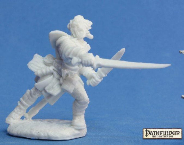 Reaper Miniatures - Male Human Fighter swords