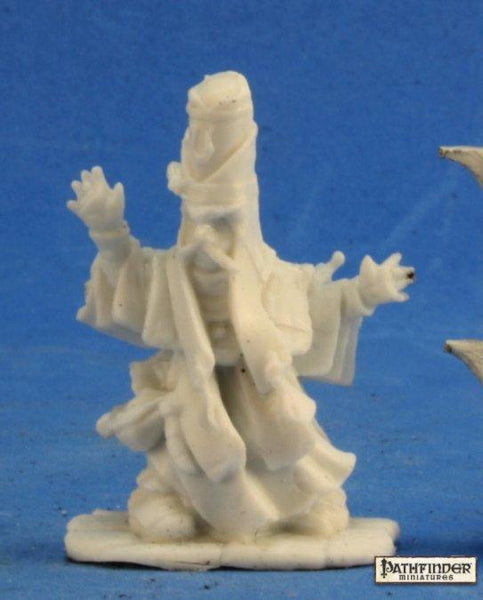Reaper Miniatures - Male Gnome Wizard Summoner - unpainted