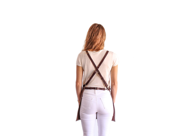 brown-leather-apron-small-pocket-back-straps