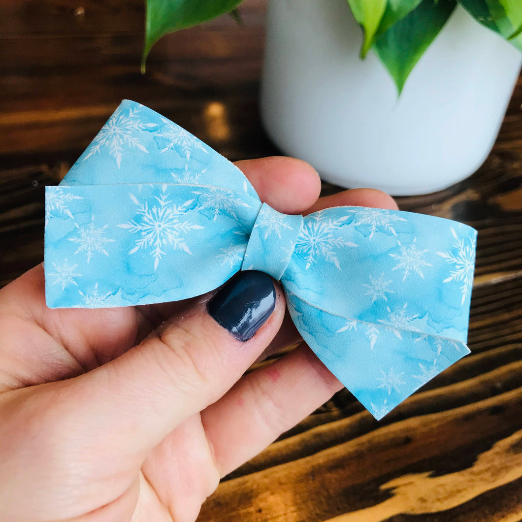 FAUX LEATHER - Frozen Bow