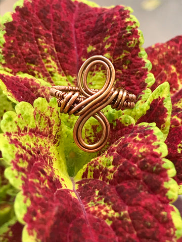 Celtic infinity Ring in copper and bronze. Size 7 1/2