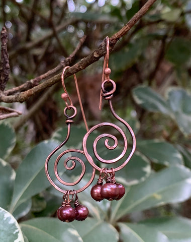 Hammered Copper and Pearls Earrings