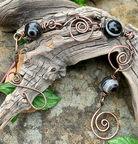 Hand formed hammered Copper Link Bracelet with Botswana Agate Beads