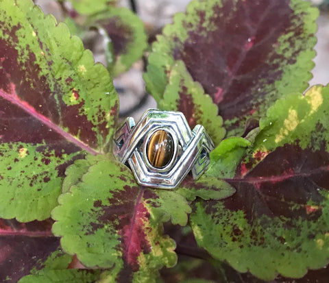 Striking Tiger Eye Ring in Sterling Silver - Size 8
