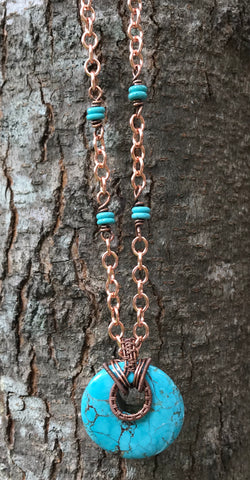 Eye-catching Howlite and Copper Necklace