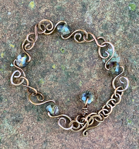 Hand Made Copper Links Bracelet with faceted Crystals.
