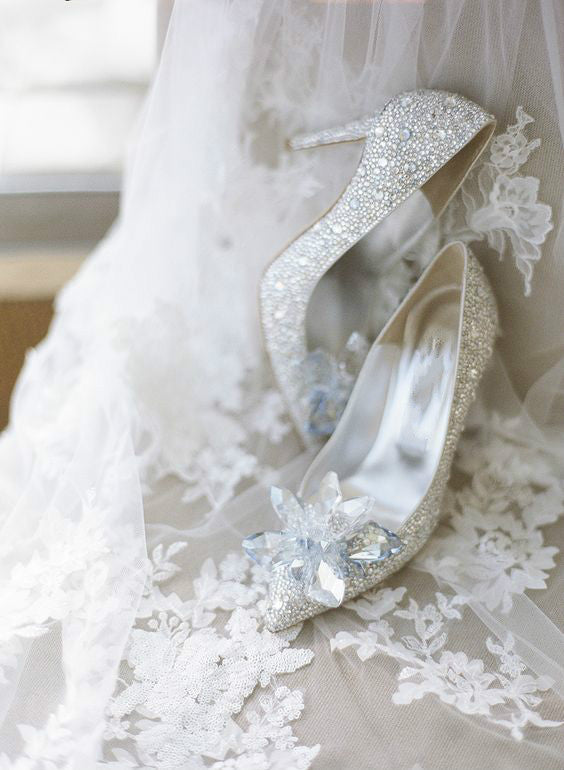 IT'S SHOE-TIME! HOW TO BUY WEDDING SHOES
