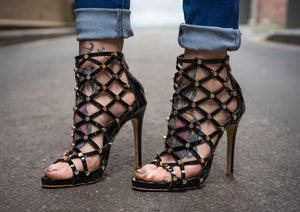 Topsqueen Black Studded Sandals