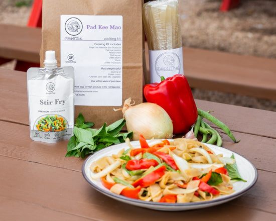 VEGAN Pad Kee Mao cooking kit