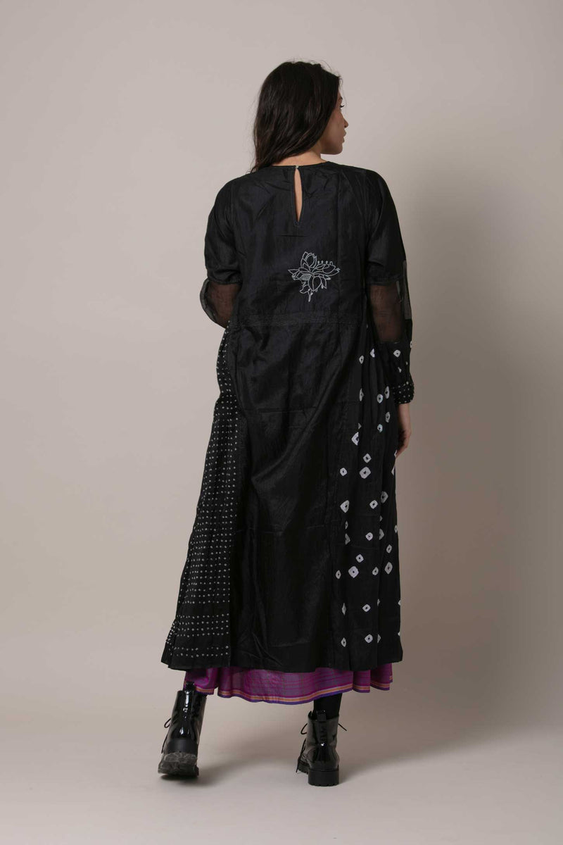 Rang Aswad Dress